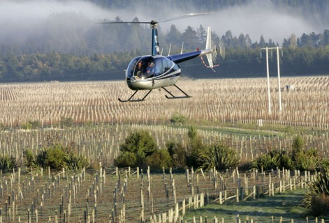 Frost protection by helicopter Seresin Estate vineyard. 07/10/2009202525Scott HammondMarlboroughThis image is subject to copyright by The Marlborough Express